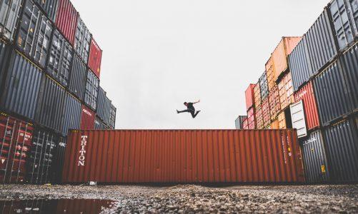 Waarom een container huren in plaats van kopen?